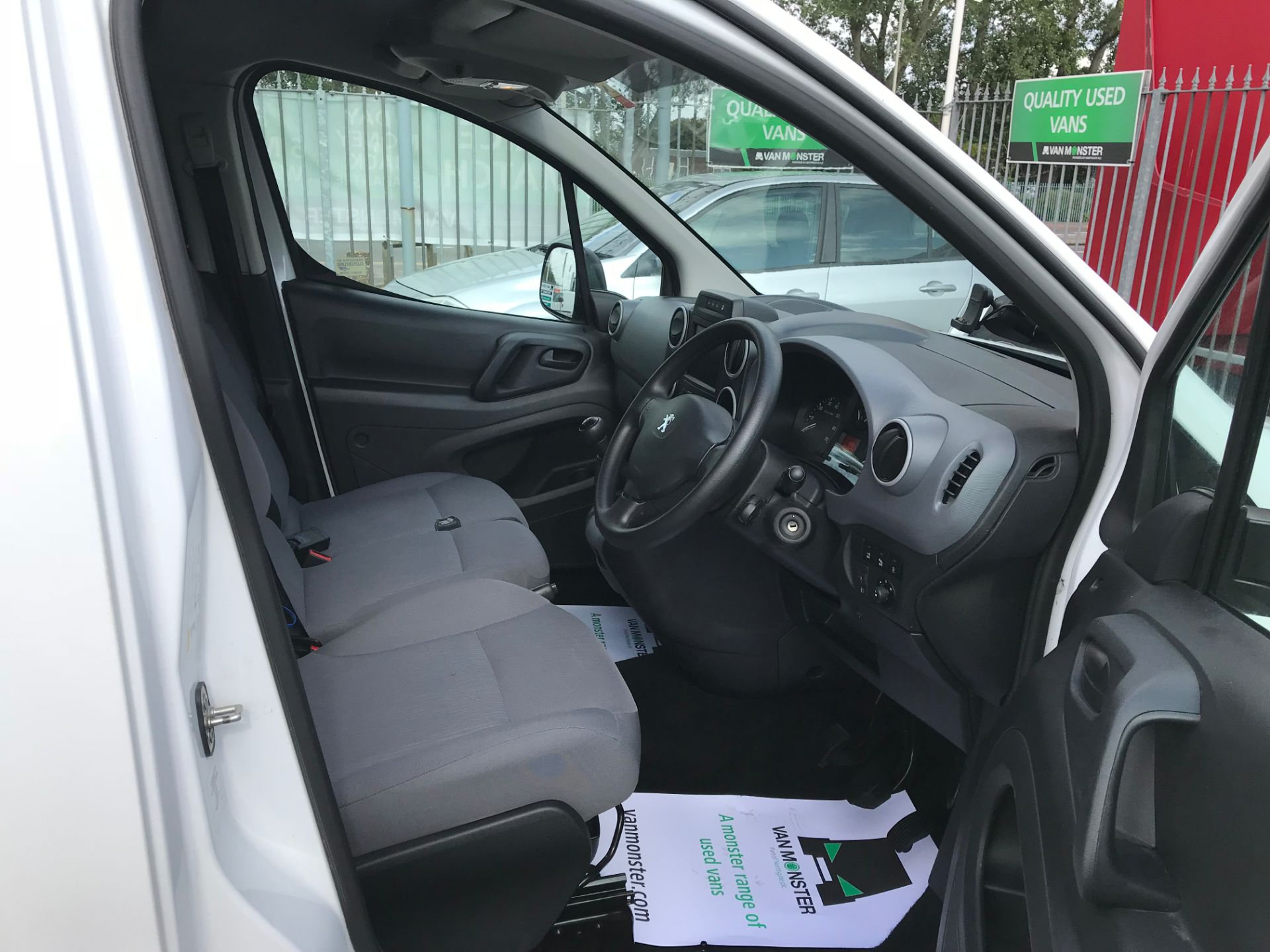 2016 Peugeot Partner L1 850 S 1.6 92PS (SLD) PROFESSIONAL 3 SEATS EURO 5  (OY16ZWS) Image 11