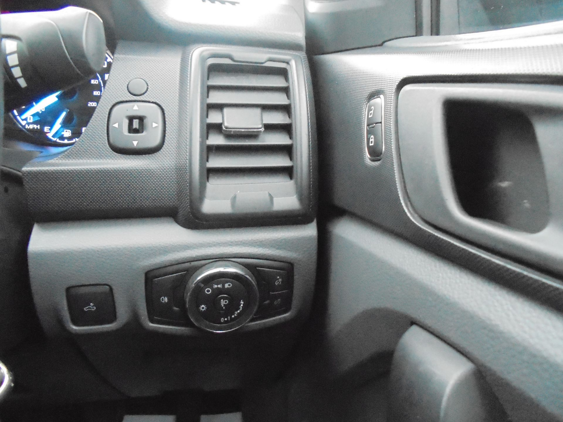 2016 Ford Ranger PICKUP 4X4 XL 2.2 TDCI D/C 160PS EURO 5 (OY66GSU) Image 19
