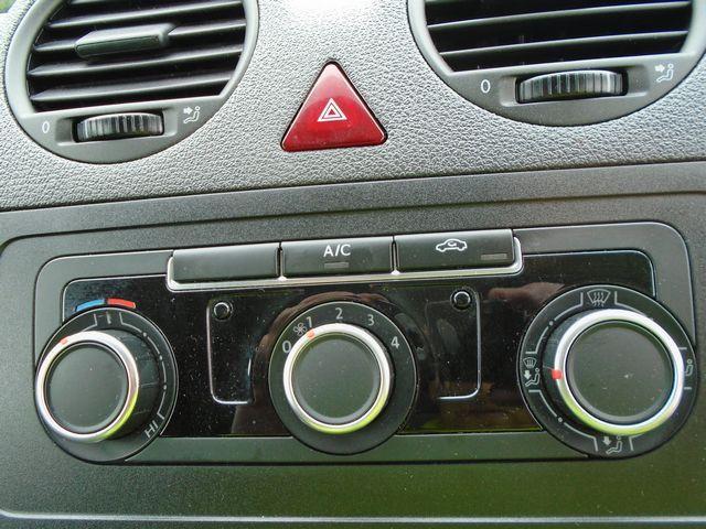 2015 Volkswagen Caddy Maxi  1.6 102PS STARTLINE EURO 5 (PJ15DJY) Image 23