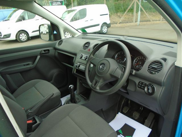 2015 Volkswagen Caddy Maxi  1.6 102PS STARTLINE EURO 5 (PJ15DJY) Image 17
