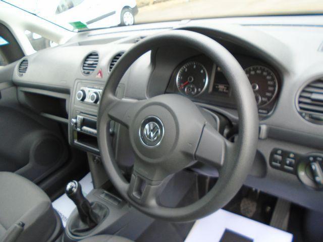2015 Volkswagen Caddy Maxi  1.6 102PS STARTLINE EURO 5 (PJ15DJY) Image 19