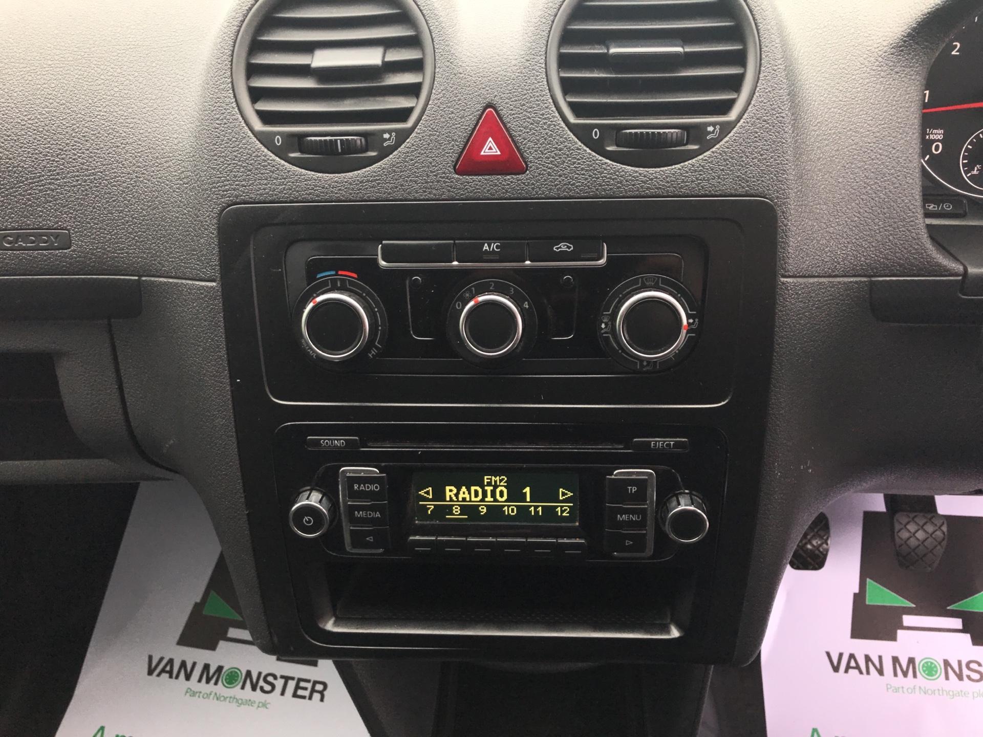 2015 Volkswagen Caddy Maxi 1.6 Tdi 102Ps Startline Van Euro 5 (PJ15EFG) Image 19