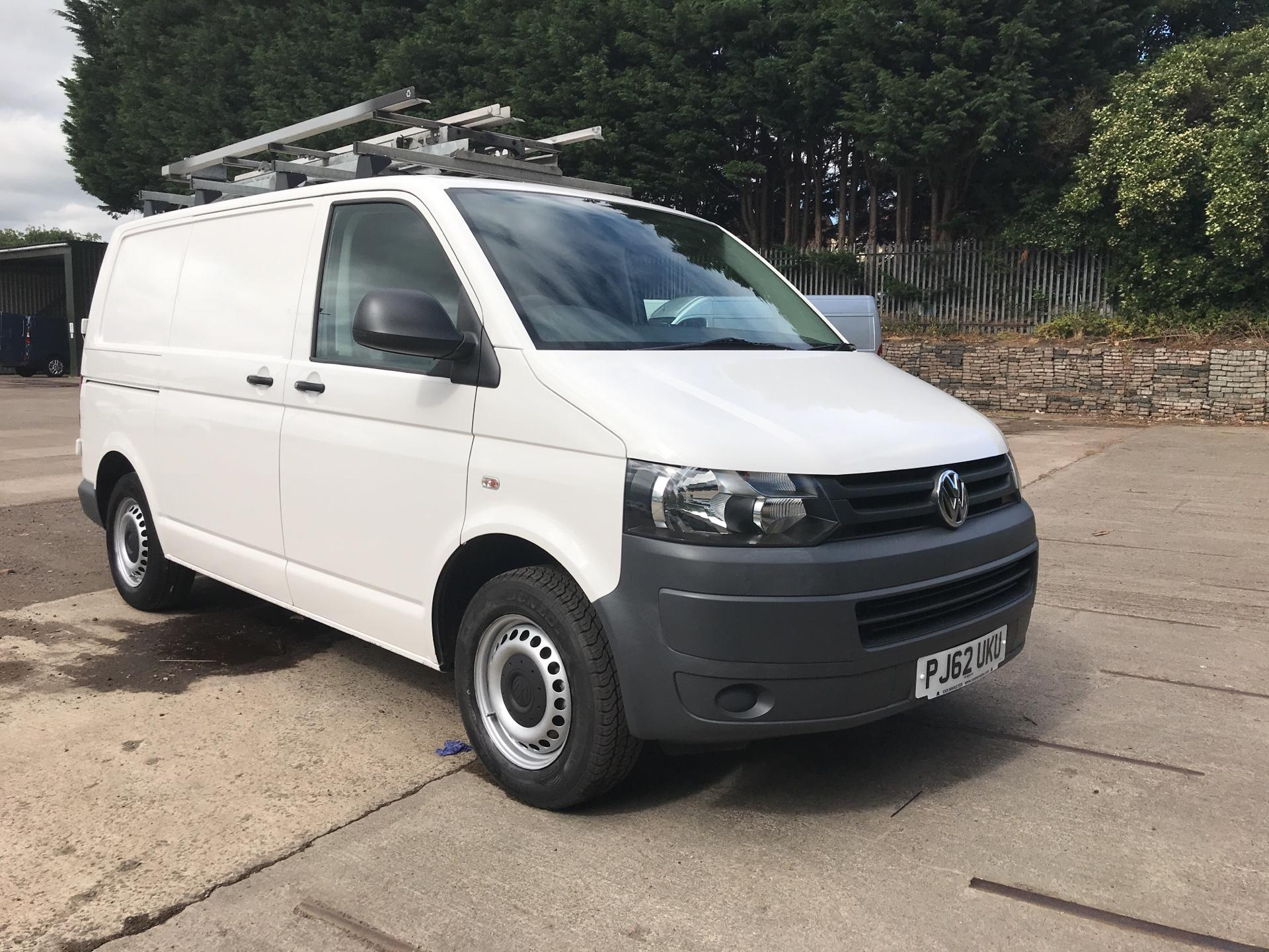 2013 Volkswagen Transporter 2.0 TDI BLUEMOTION TECH 84PS VAN AIR CON & SAT NAV (PJ62UKU)