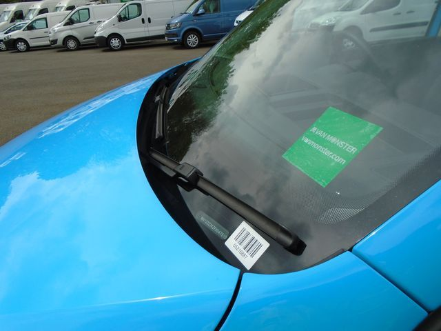 2014 Volkswagen Caddy  1.6 102PS STARTLINE EURO 5 (PJ64AZL) Image 15