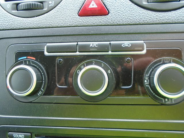 2014 Volkswagen Caddy  1.6 102PS STARTLINE EURO 5 (PJ64AZL) Image 24