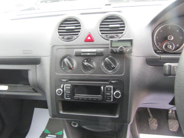 2014 Volkswagen Caddy  1.6 75PS STARTLINE EURO 5 (PJ64HWD) Image 6