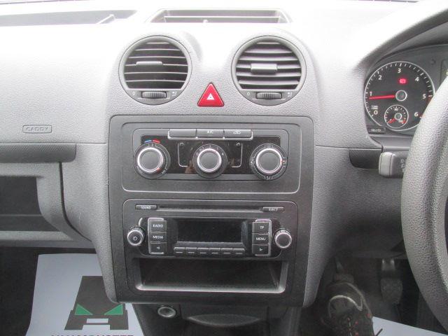 2014 Volkswagen Caddy Maxi 1.6 TDI 102Ps STARTLINE VAN EURO 5 (PJ64HWW) Image 4