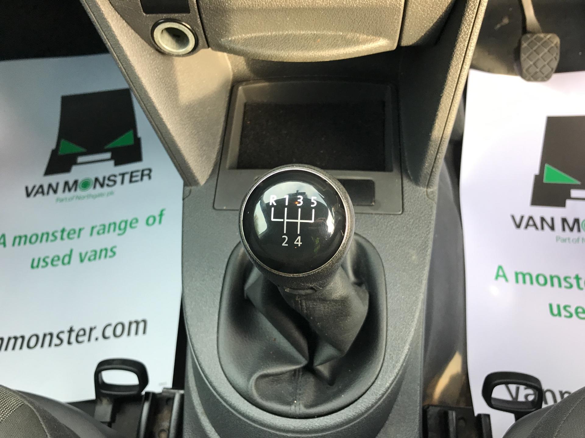 2014 Volkswagen Caddy  1.6 75PS STARTLINE EURO 5 (PK14ZWB) Image 11