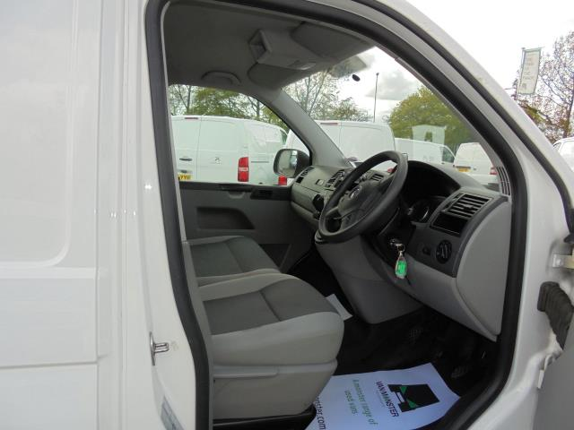 2014 Volkswagen Transporter T28 SWB DIESEL 2.0 TDI 102PS STARTLINE EURO 5 (PK64ORA) Image 5