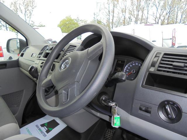 2014 Volkswagen Transporter T28 SWB DIESEL 2.0 TDI 102PS STARTLINE EURO 5 (PK64ORA) Image 7