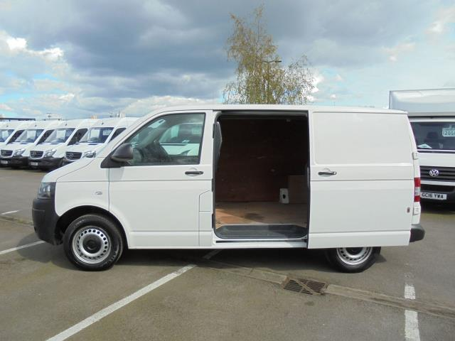 2014 Volkswagen Transporter T28 SWB DIESEL 2.0 TDI 102PS STARTLINE EURO 5 (PK64ORA) Image 22