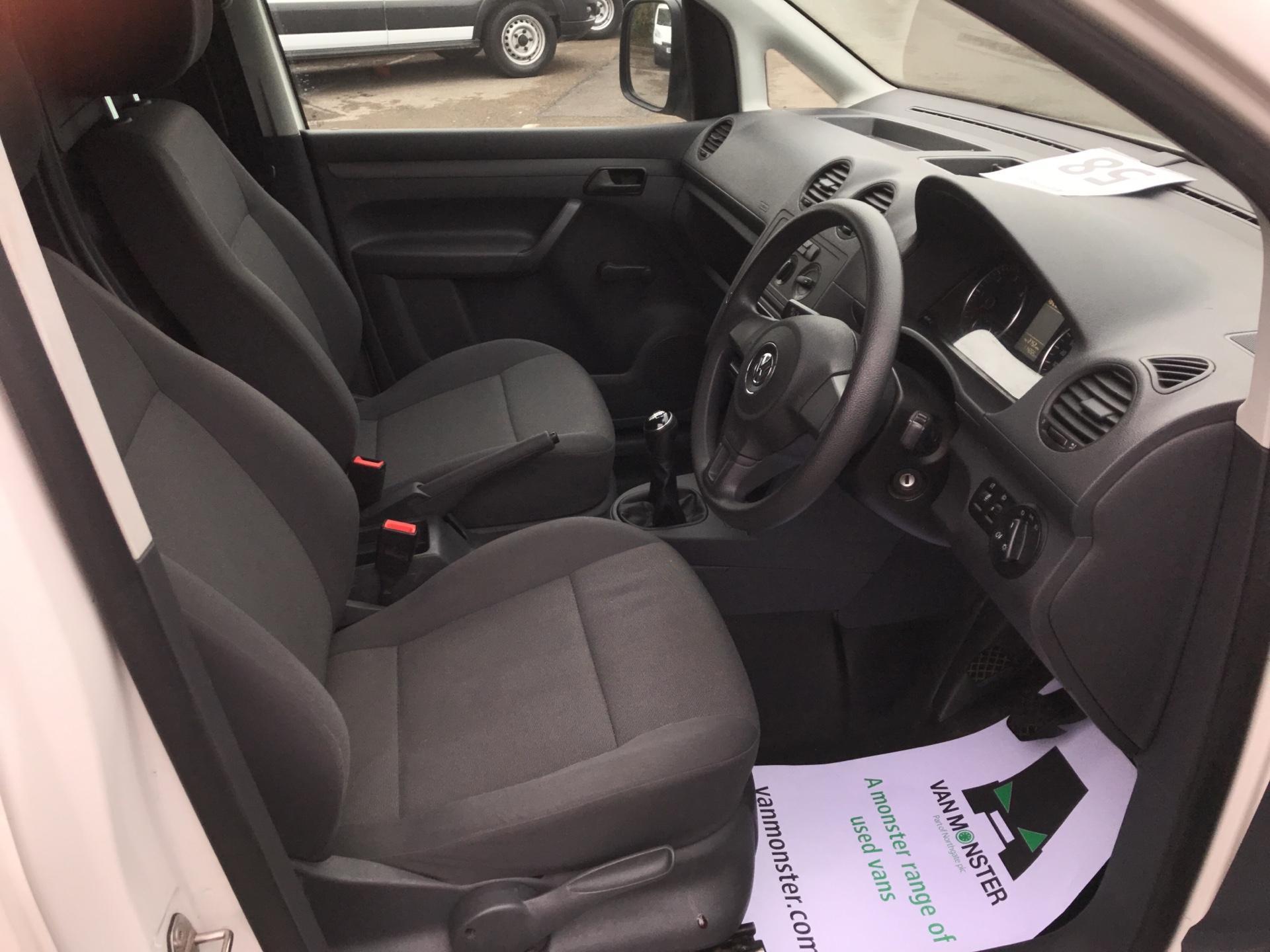 2014 Volkswagen Caddy Maxi 1.6 102PS STARTLINE EURO 5 (PK64WWL) Image 9