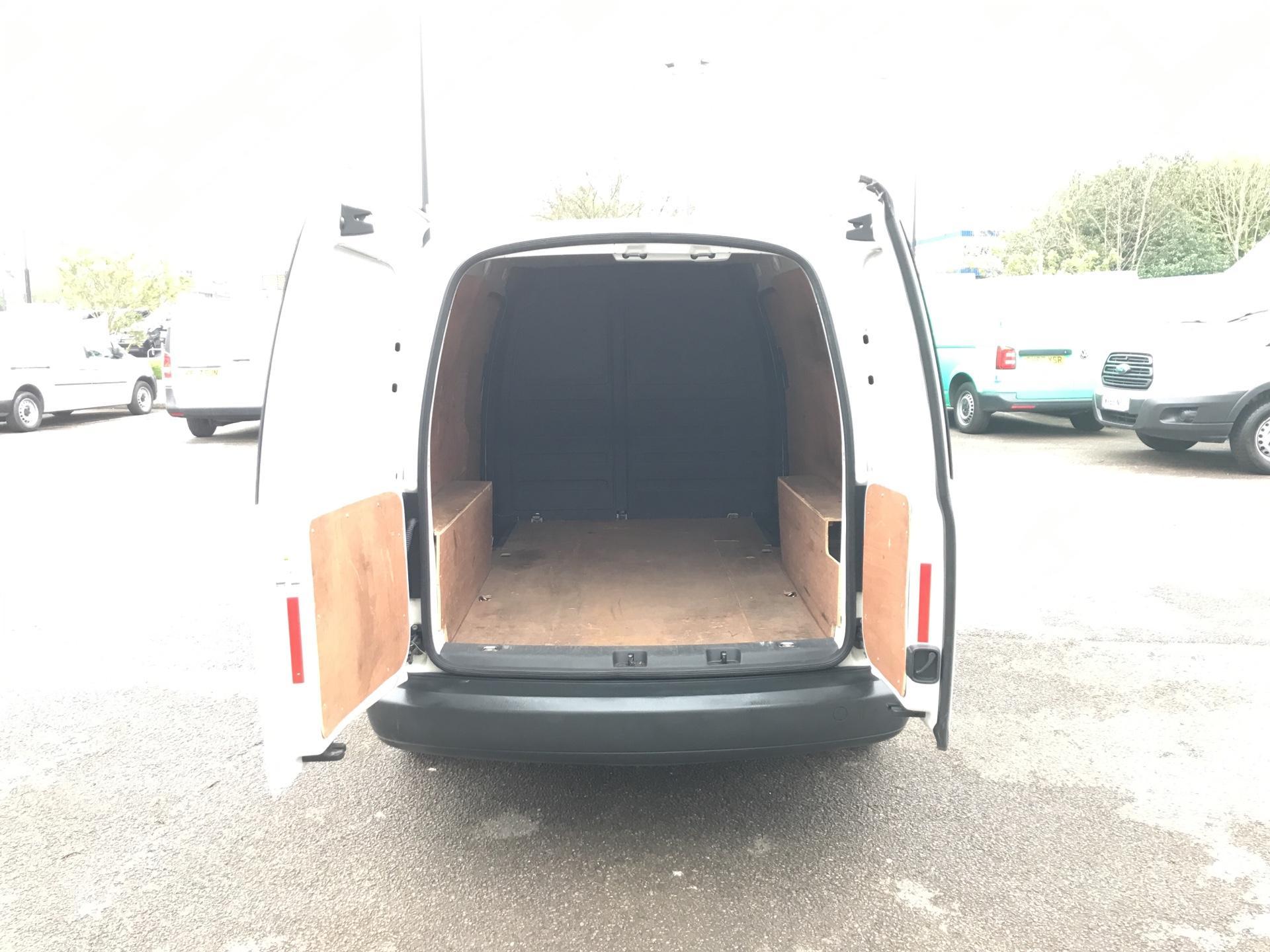 2014 Volkswagen Caddy Maxi 1.6 102PS STARTLINE EURO 5 (PK64WWL) Image 17