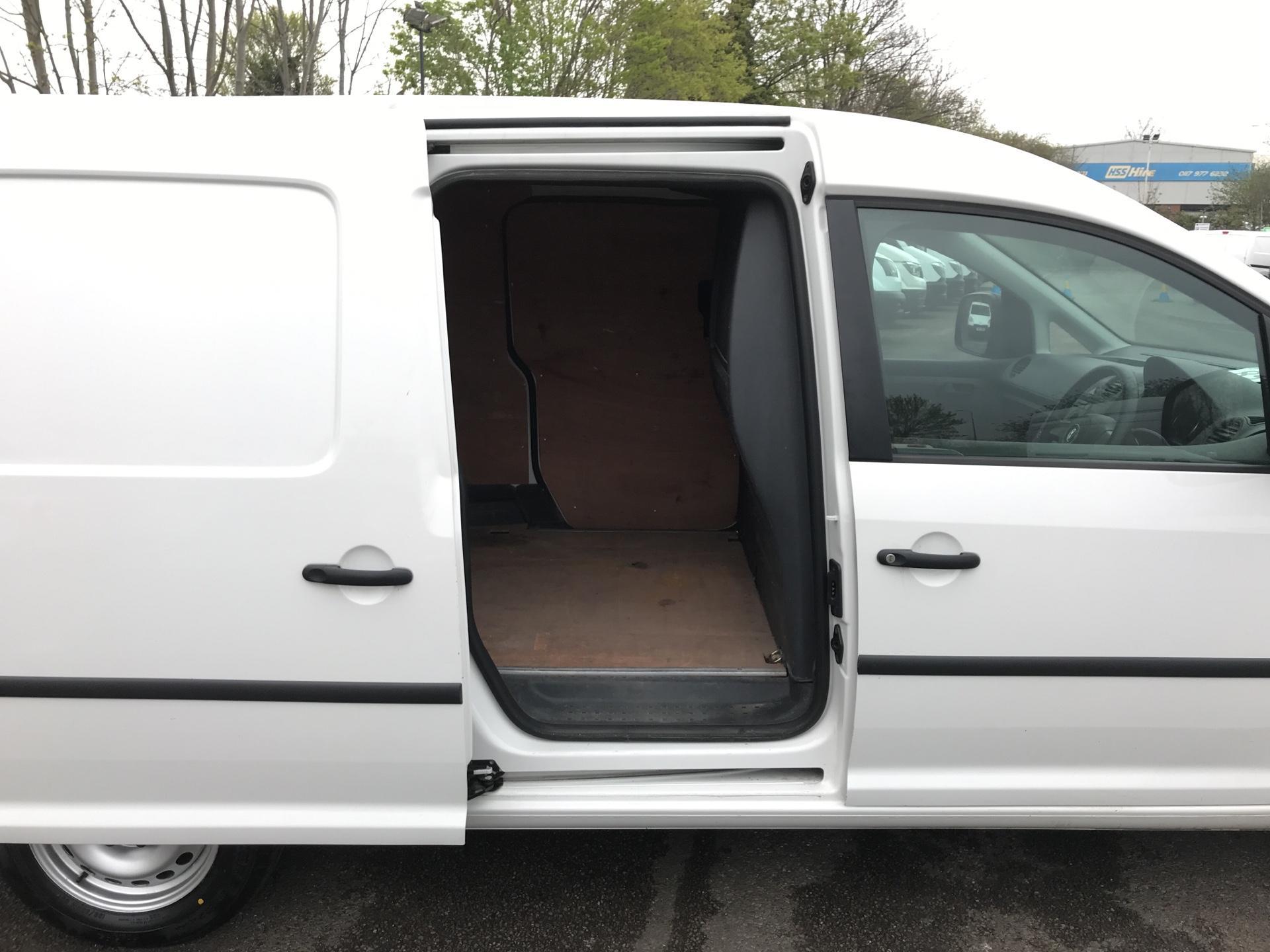 2014 Volkswagen Caddy Maxi 1.6 102PS STARTLINE EURO 5 (PK64WWL) Image 16