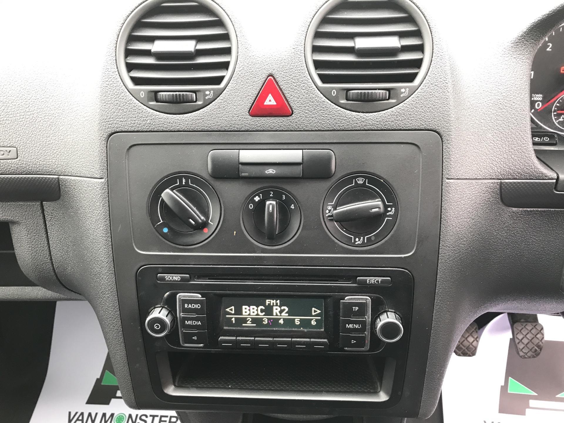 2014 Volkswagen Caddy Maxi 1.6 102PS STARTLINE EURO 5 (PK64WWL) Image 10