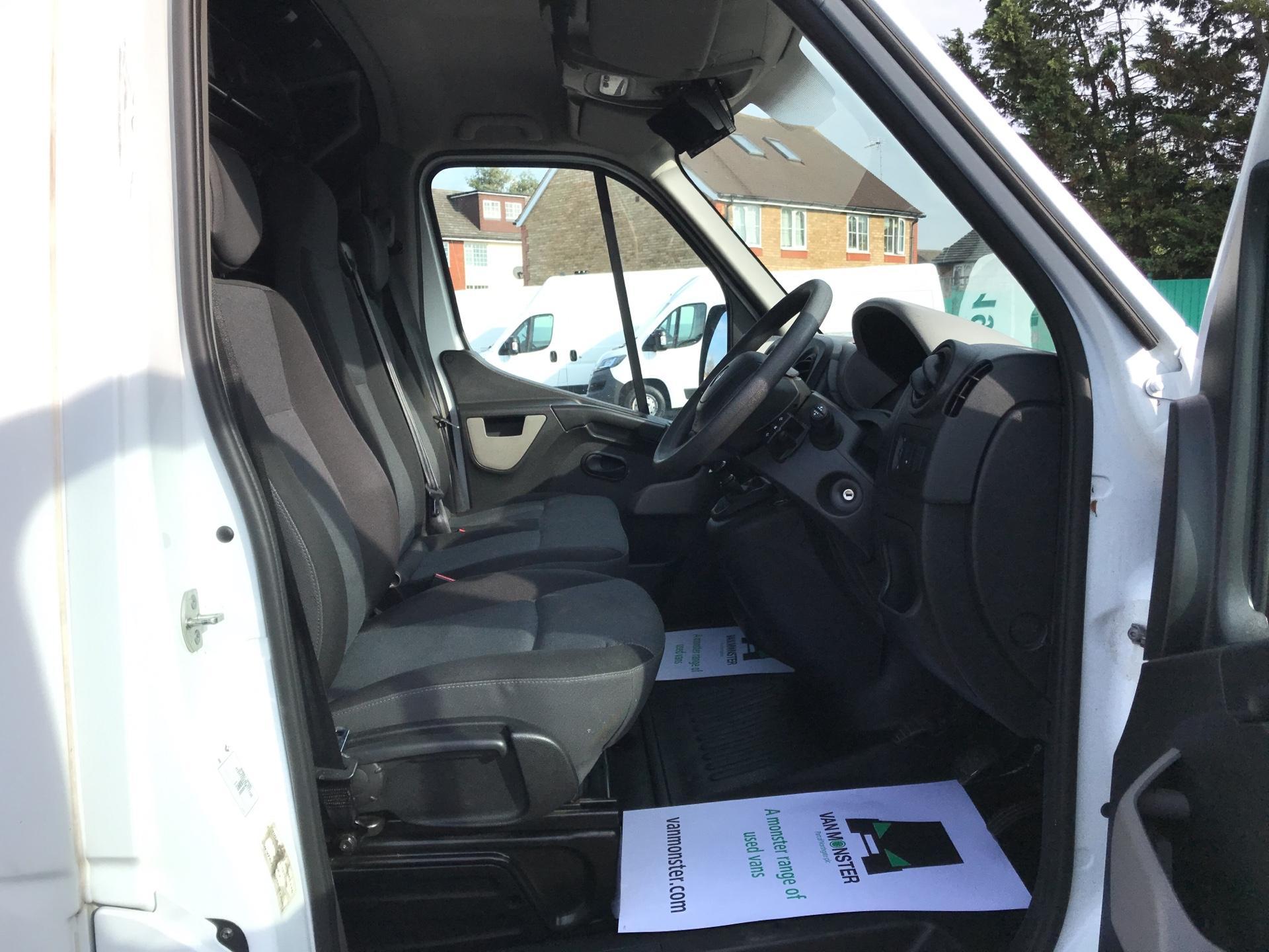2017 Renault Master   L1 130PS Business L/R Box Van Euro 6 (PO67DSZ) Image 9