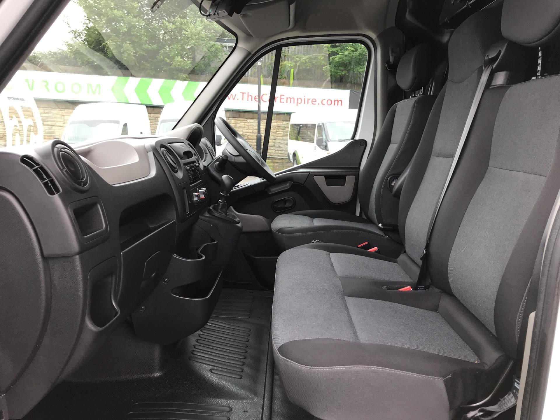 2017 Renault Master BUSINESS+ LOW LOADER LUTON BOX W/ BARN DOORS (PO67DUA) Image 14