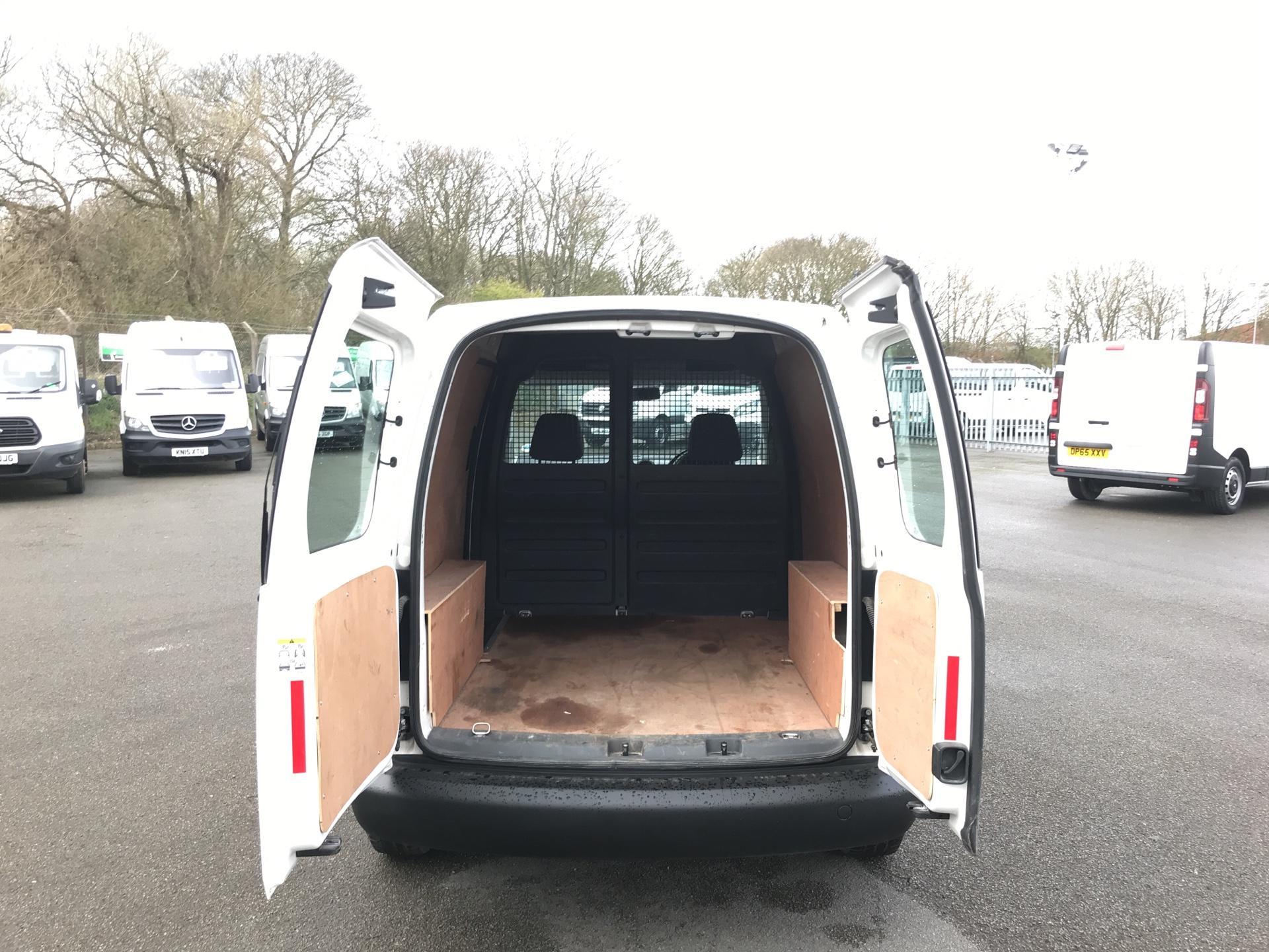 2014 Volkswagen Caddy  1.6 75PS STARTLINE EURO 5 (RF14DSU) Image 15