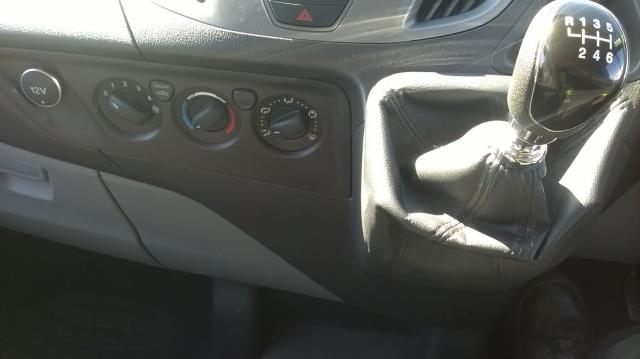 2016 Ford Transit Custom 270 L1 DIESEL FWD 2.0 TDCI 105PD LOW ROOF EURO 6 (RK66VMO) Image 15