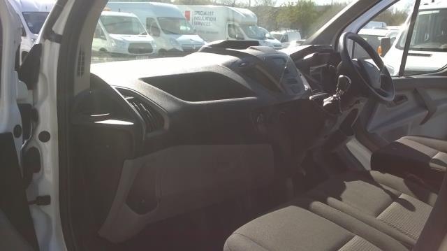 2016 Ford Transit Custom 270 L1 DIESEL FWD 2.0 TDCI 105PD LOW ROOF EURO 6 (RK66VMO) Image 12
