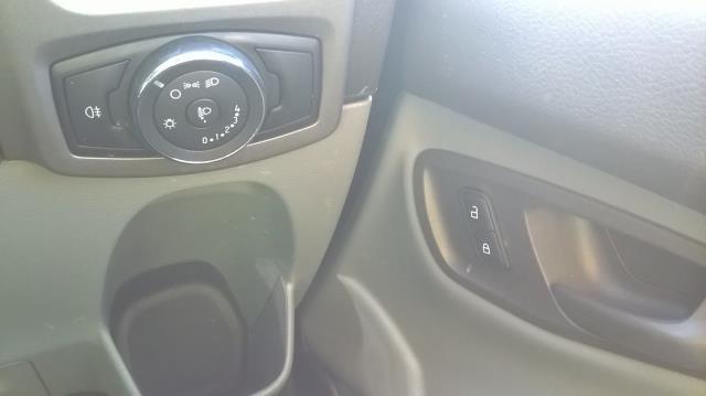 2016 Ford Transit Custom 270 L1 DIESEL FWD 2.0 TDCI 105PD LOW ROOF EURO 6 (RK66VMO) Image 18