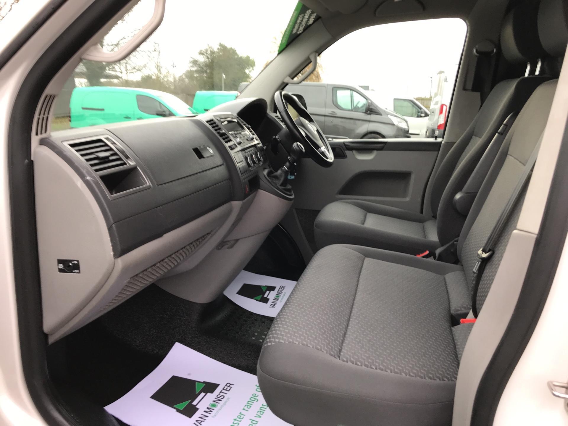 2014 Volkswagen Transporter T28 SWB DIESEL 2.0 TDI 102PS HIGHLINE EURO 5 (RO14OUX) Image 14