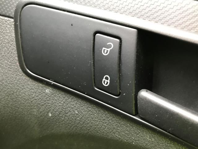 2014 Volkswagen Caddy Maxi 1.6TDI 102PS STARTLINE VAN EURO 5 AIR CON (RO14OVX) Image 20