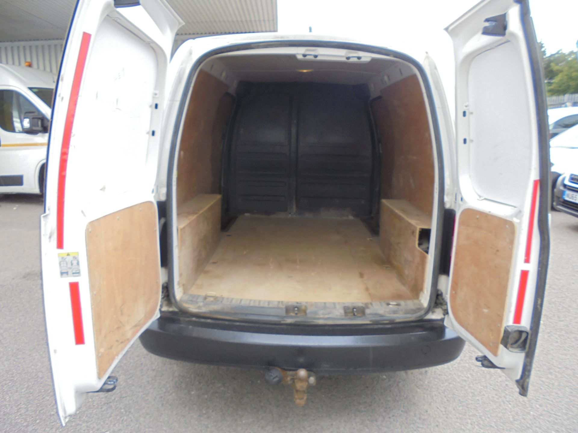 2014 Volkswagen Caddy Maxi  1.6 102PS STARTLINE EURO 5 (RV14AZT) Image 15