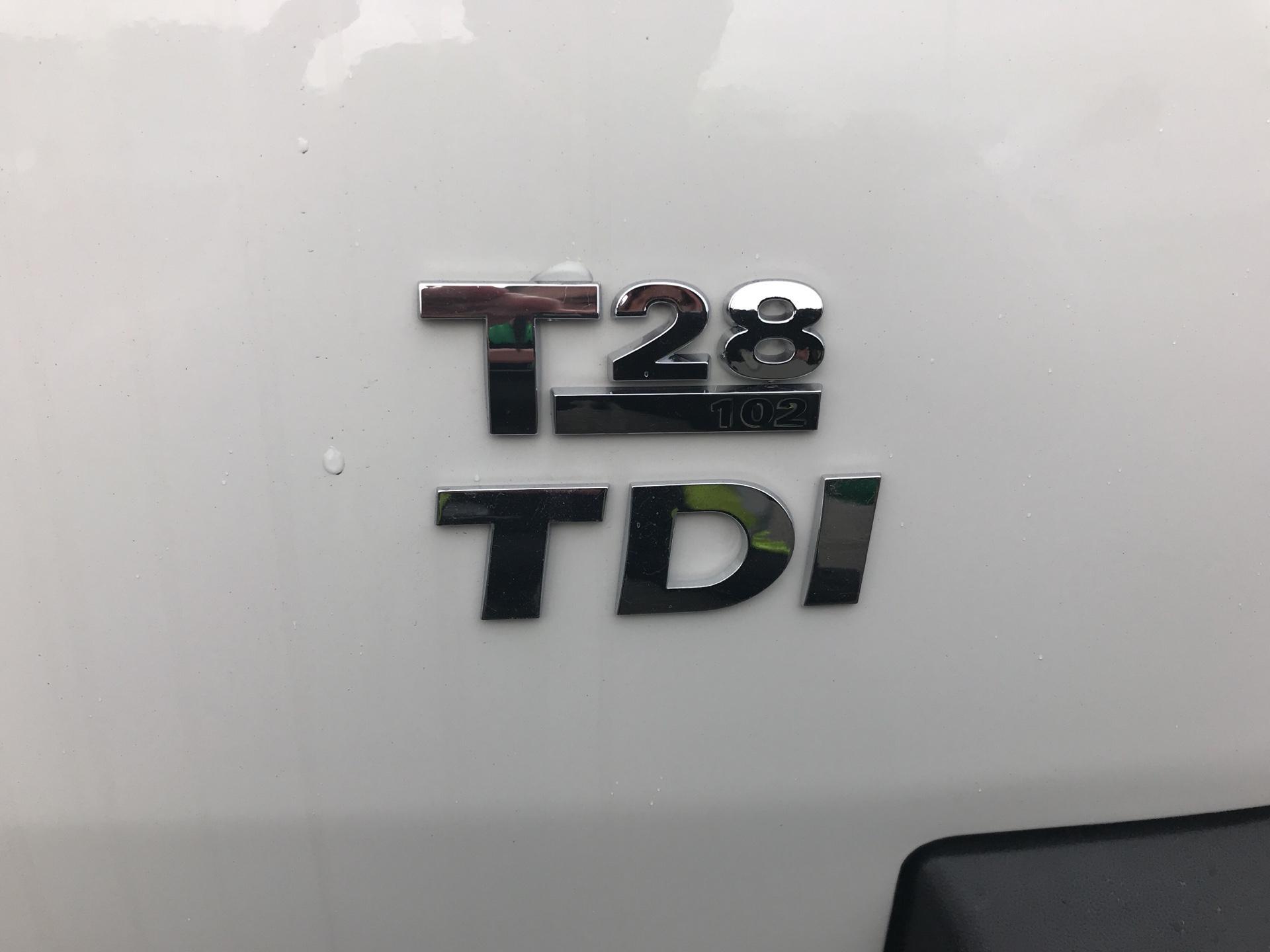 2014 Volkswagen Transporter  T28 SWB DIESEL 2.0TDI 102PS STARTLINE EURO 5 (RV64ZKT) Image 17