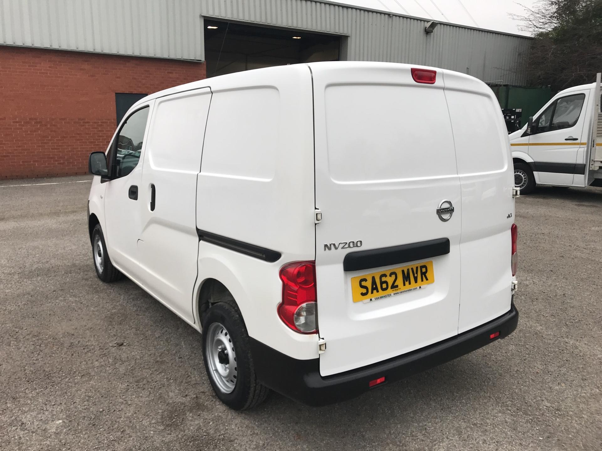 2012 Nissan Nv200 1.5 Dci 89 Se Van EURO 5 -*VALUE RANGE VEHICLE - CONDITION REFLECTED IN PRICE* (SA62MVR) Image 5