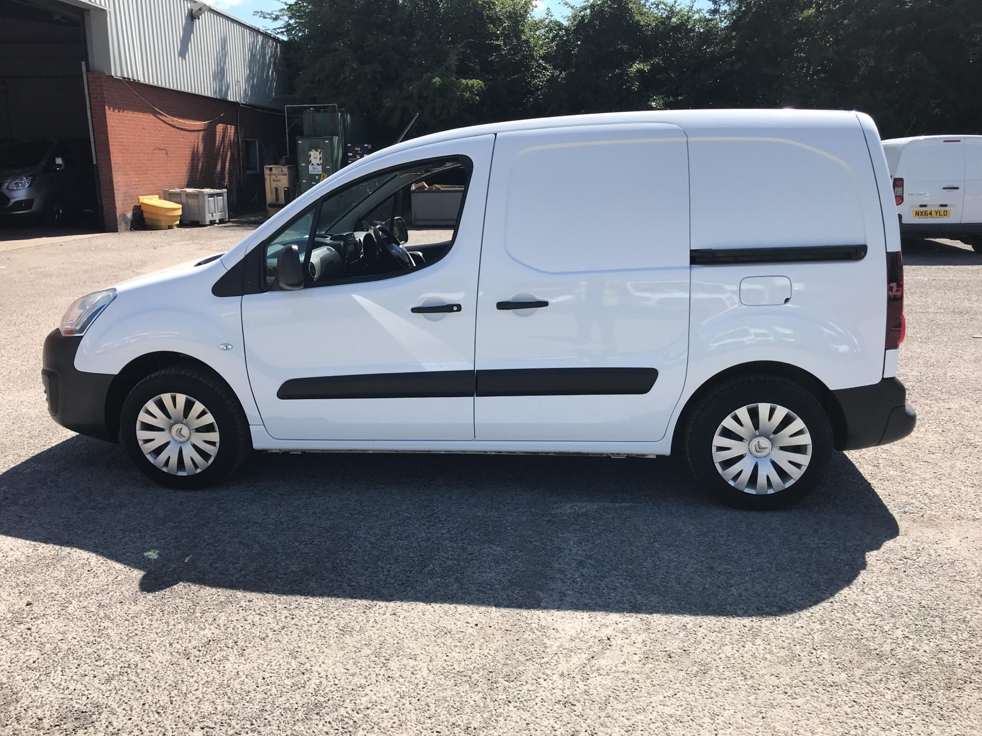 2017 Citroen Berlingo L1 DIESEL 1.6 BLUE HDI 625KG ENTERPRISE 75PS EURO 6 (SA67NWM) Image 6