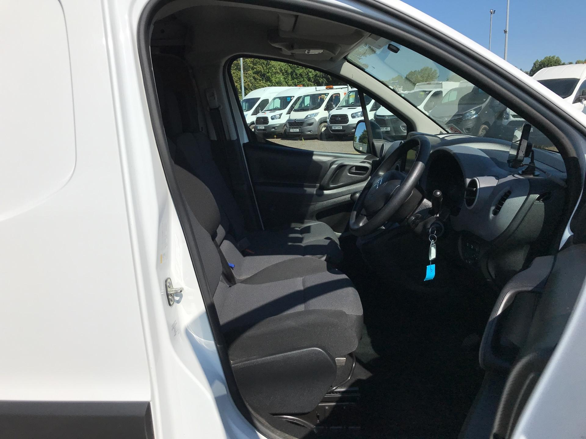 2017 Citroen Berlingo L1 1.6 Bluehdi 625Kg Enterprise 75Ps EURO 4/5 (SB17BZR) Image 9