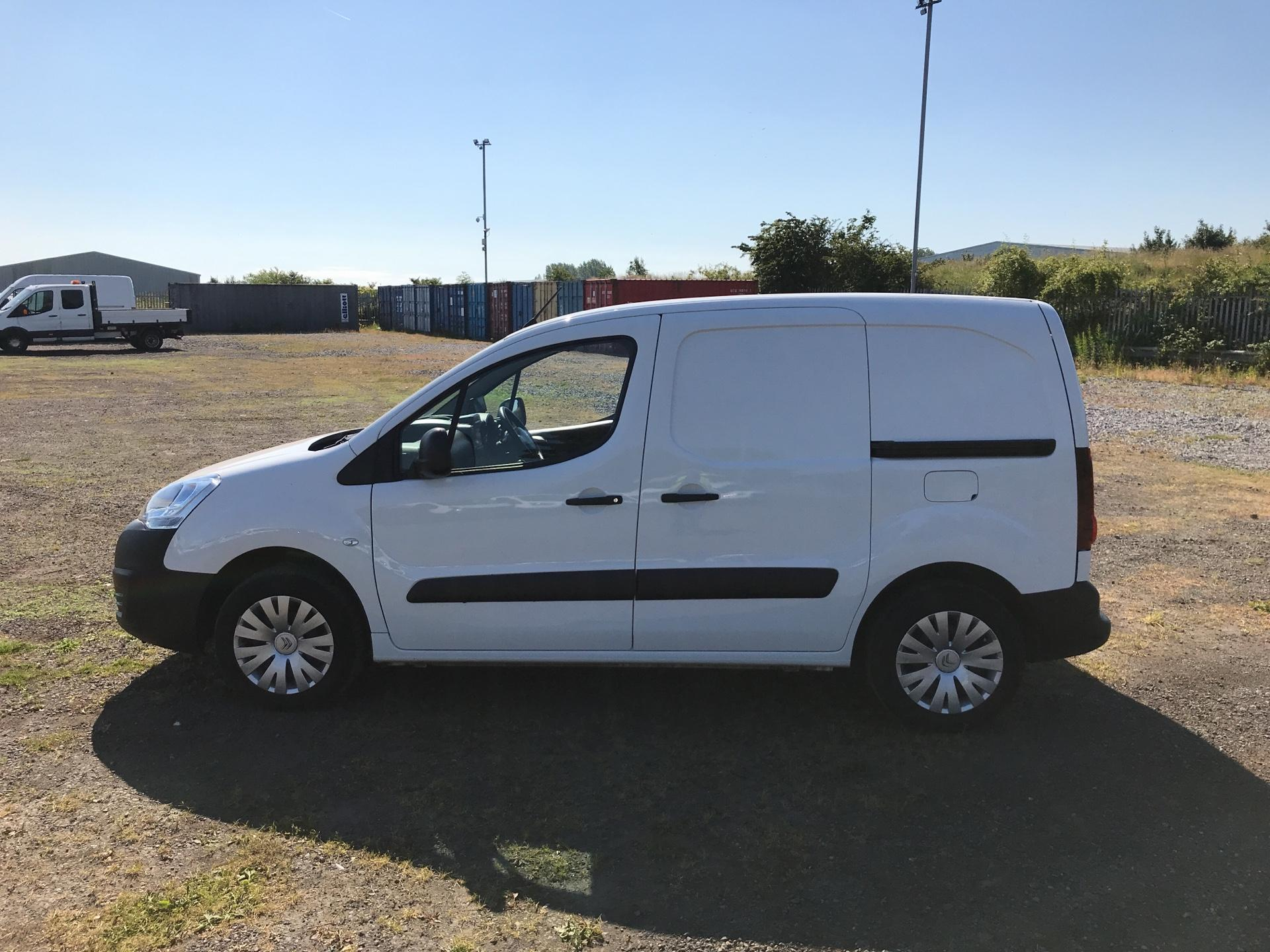 2017 Citroen Berlingo L1 1.6 Bluehdi 625Kg Enterprise 75Ps EURO 4/5 (SB17BZR) Image 6