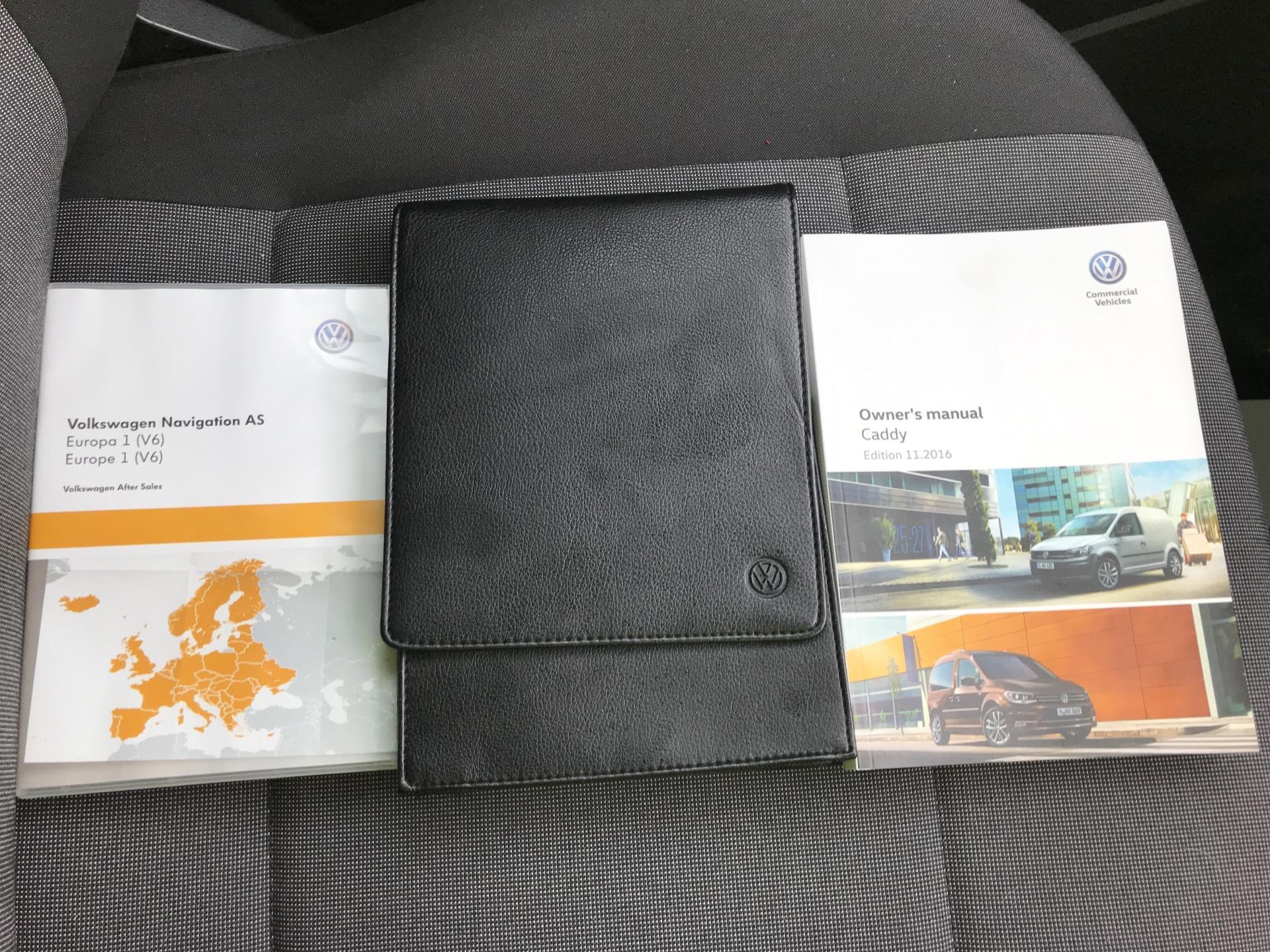 2017 Volkswagen Caddy Maxi 2.0 TDI 102PS KOMBI EURO 6 **SAT NAV** (SB17XNA) Image 28
