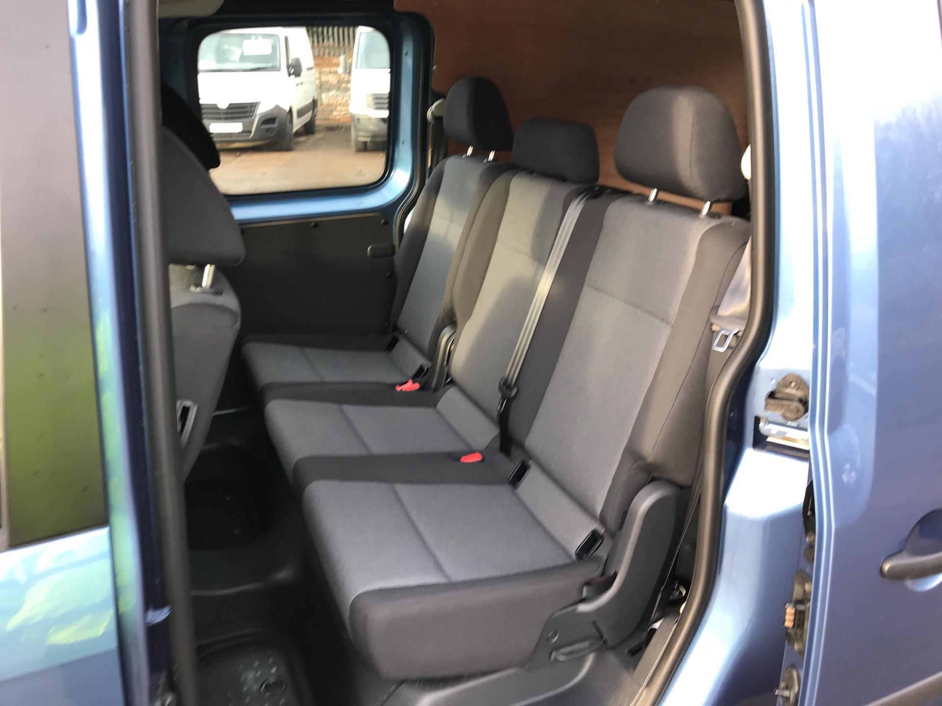 2017 Volkswagen Caddy Maxi 2.0 TDI 102PS KOMBI EURO 6 **SAT NAV** (SB17XNA) Image 17