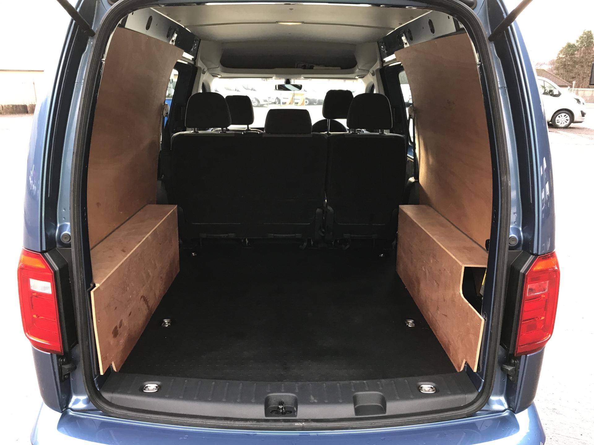 2017 Volkswagen Caddy Maxi 2.0 TDI 102PS KOMBI EURO 6 **SAT NAV** (SB17XNA) Image 15
