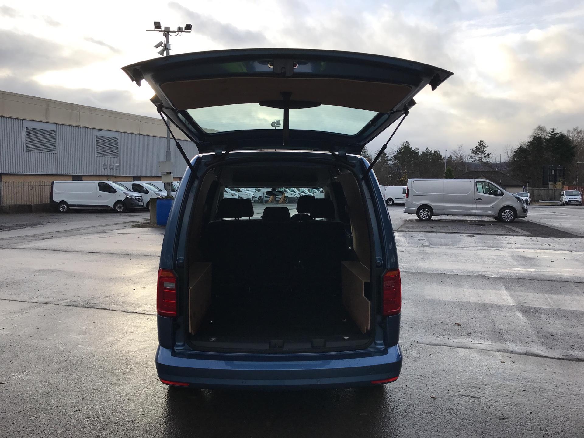 2017 Volkswagen Caddy Maxi 2.0 TDI 102PS KOMBI EURO 6 **SAT NAV** (SB17XNA) Image 16