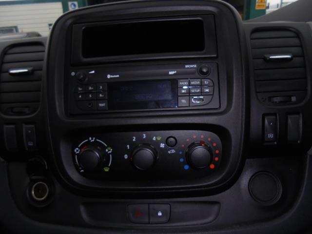 2016 Renault Trafic Sl27 Energy Dci 125 Business Van (SB66BUH) Image 13