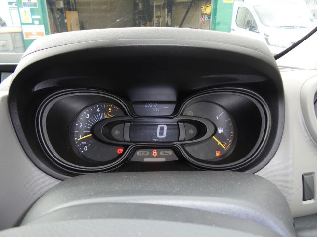 2016 Renault Trafic Sl27 Energy Dci 125 Business Van (SB66BUH) Image 12