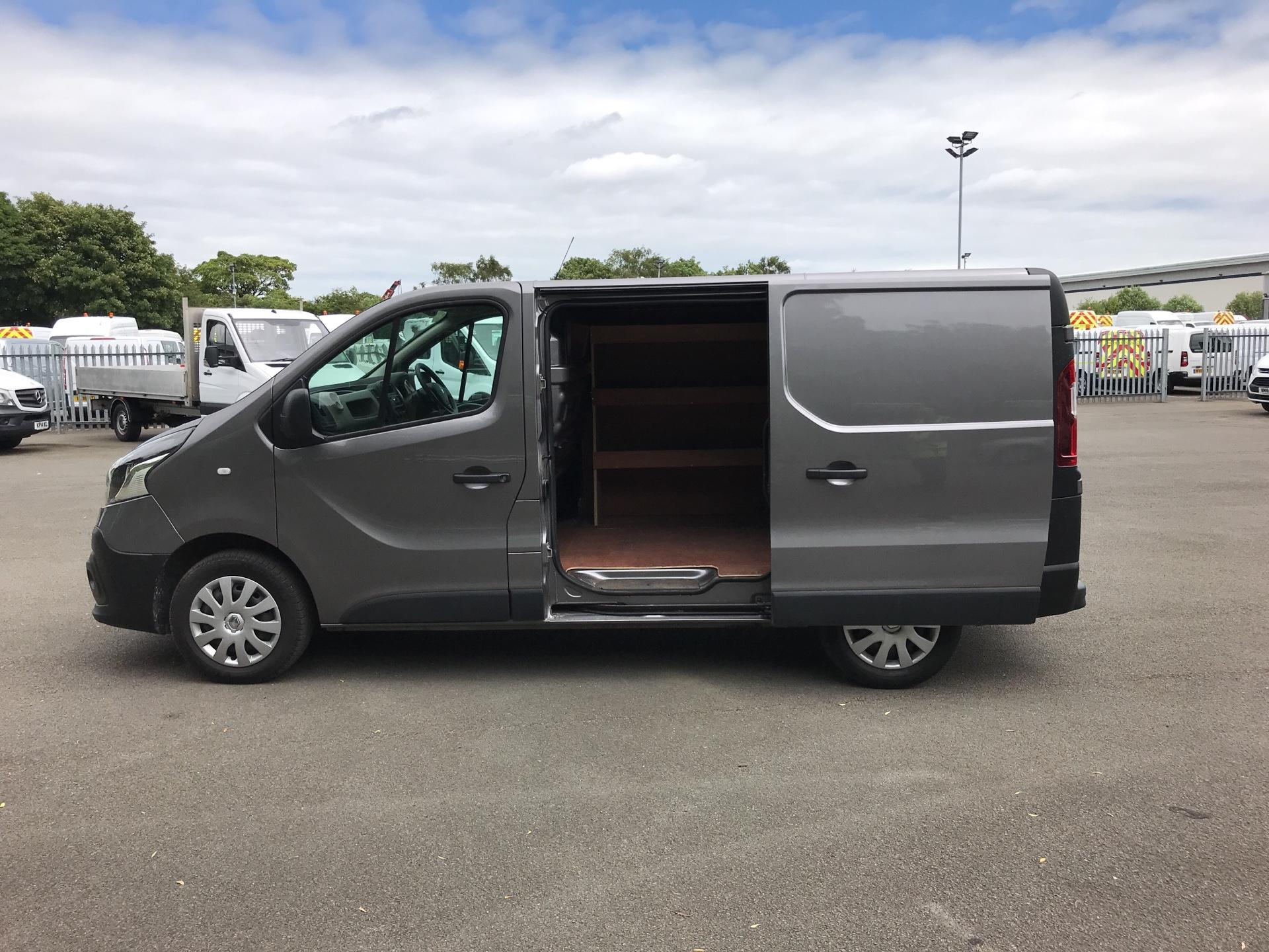 2016 Renault Trafic SL27 BUSINESS DCI 120PS (SB66OYN) Image 17