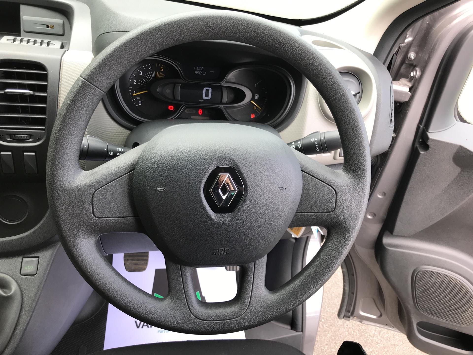 2016 Renault Trafic SL27 BUSINESS DCI 120PS (SB66OYN) Image 12
