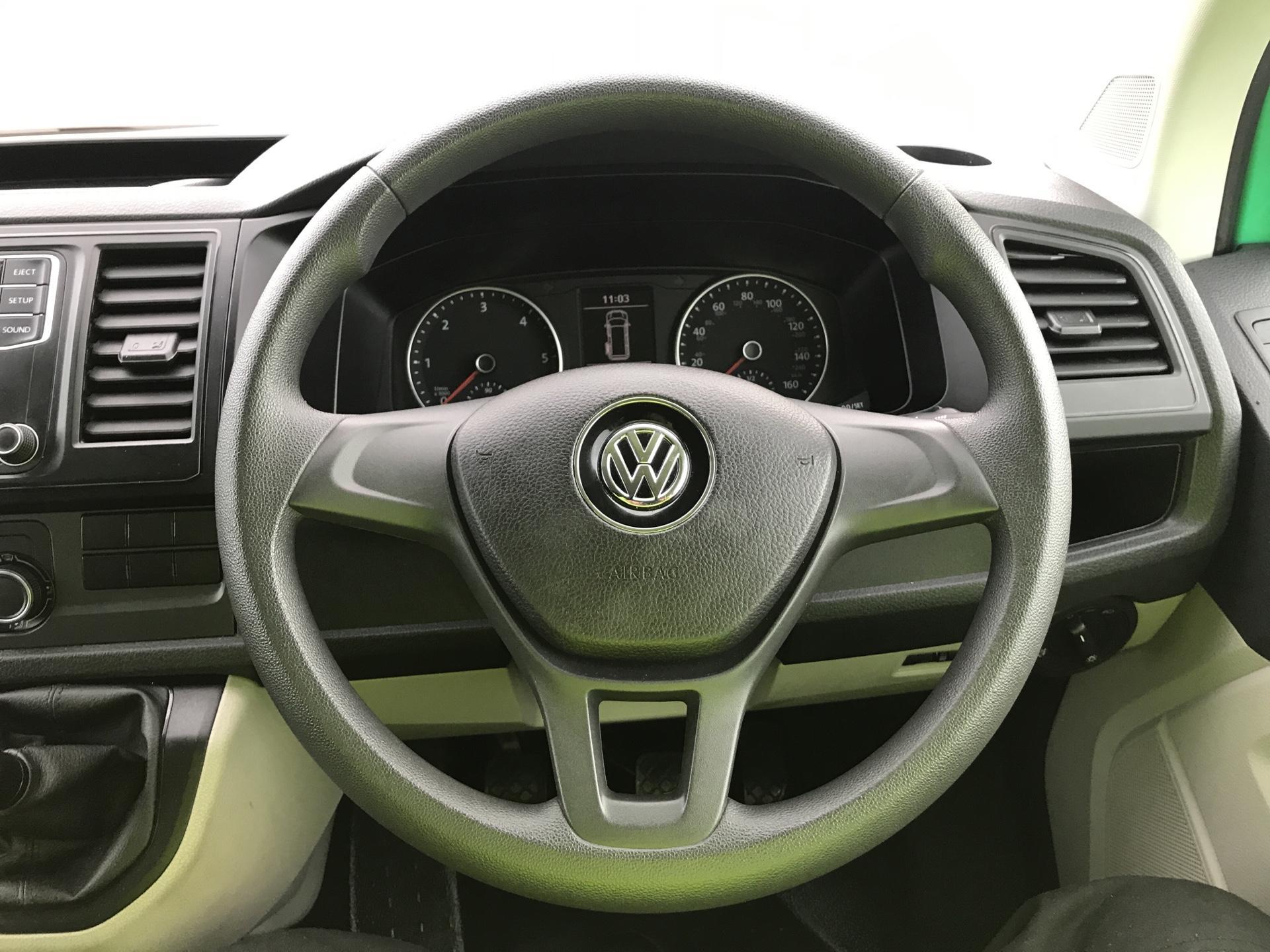 2017 Volkswagen Transporter T28 LWB DIESEL 2.0 TDI BMT 84 STARTLINE VAN EURO 6 (SB67FPC) Image 12