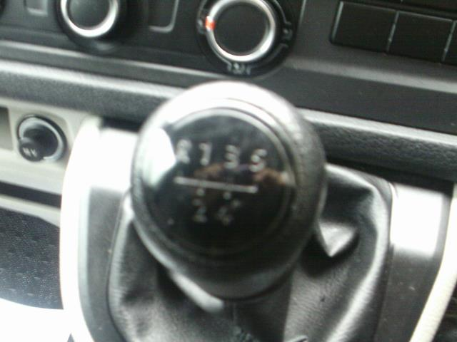 2017 Volkswagen Transporter 2.0TDI BMT 84PS STARTLINE EURO 6 AIR CON  (SB67FPL) Image 34