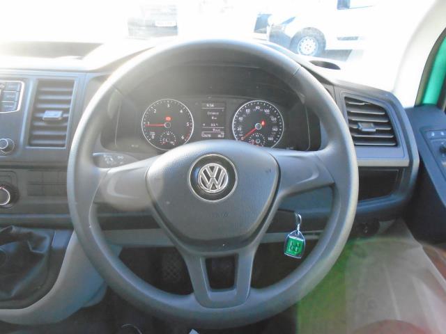 2017 Volkswagen Transporter T28 LWB DIESEL 2.0 TDI BMT 84 STARTLINE VAN EURO 6 (SB67FTU) Image 22