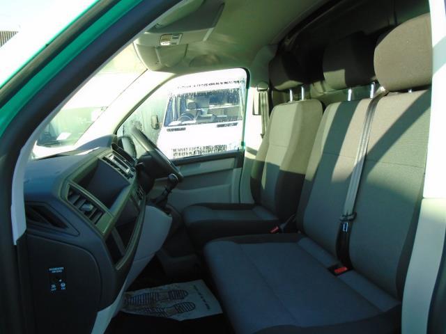 2017 Volkswagen Transporter T28 LWB DIESEL 2.0 TDI BMT 84 STARTLINE VAN EURO 6 (SB67FTU) Image 14