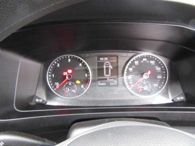 2017 Volkswagen Transporter T28 LWB DIESEL 2.0 TDI BMT 84 STARTLINE VAN EURO 6 *80mph Speed Limiter* (SB67LNV) Image 21
