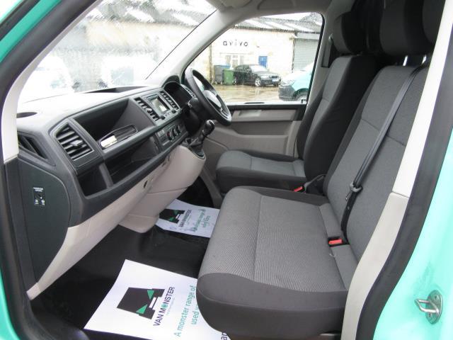 2017 Volkswagen Transporter T28 LWB DIESEL 2.0 TDI BMT 84 STARTLINE VAN EURO 6 *80mph Speed Limiter* (SB67LNV) Image 31