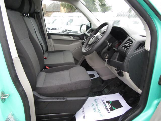 2017 Volkswagen Transporter T28 LWB DIESEL 2.0 TDI BMT 84 STARTLINE VAN EURO 6 *80mph Speed Limiter* (SB67LNV) Image 27