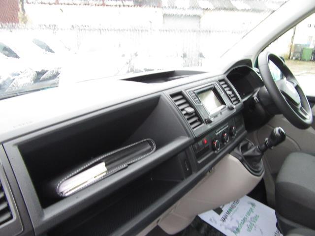 2017 Volkswagen Transporter T28 LWB DIESEL 2.0 TDI BMT 84 STARTLINE VAN EURO 6 *80mph Speed Limiter* (SB67LNV) Image 30
