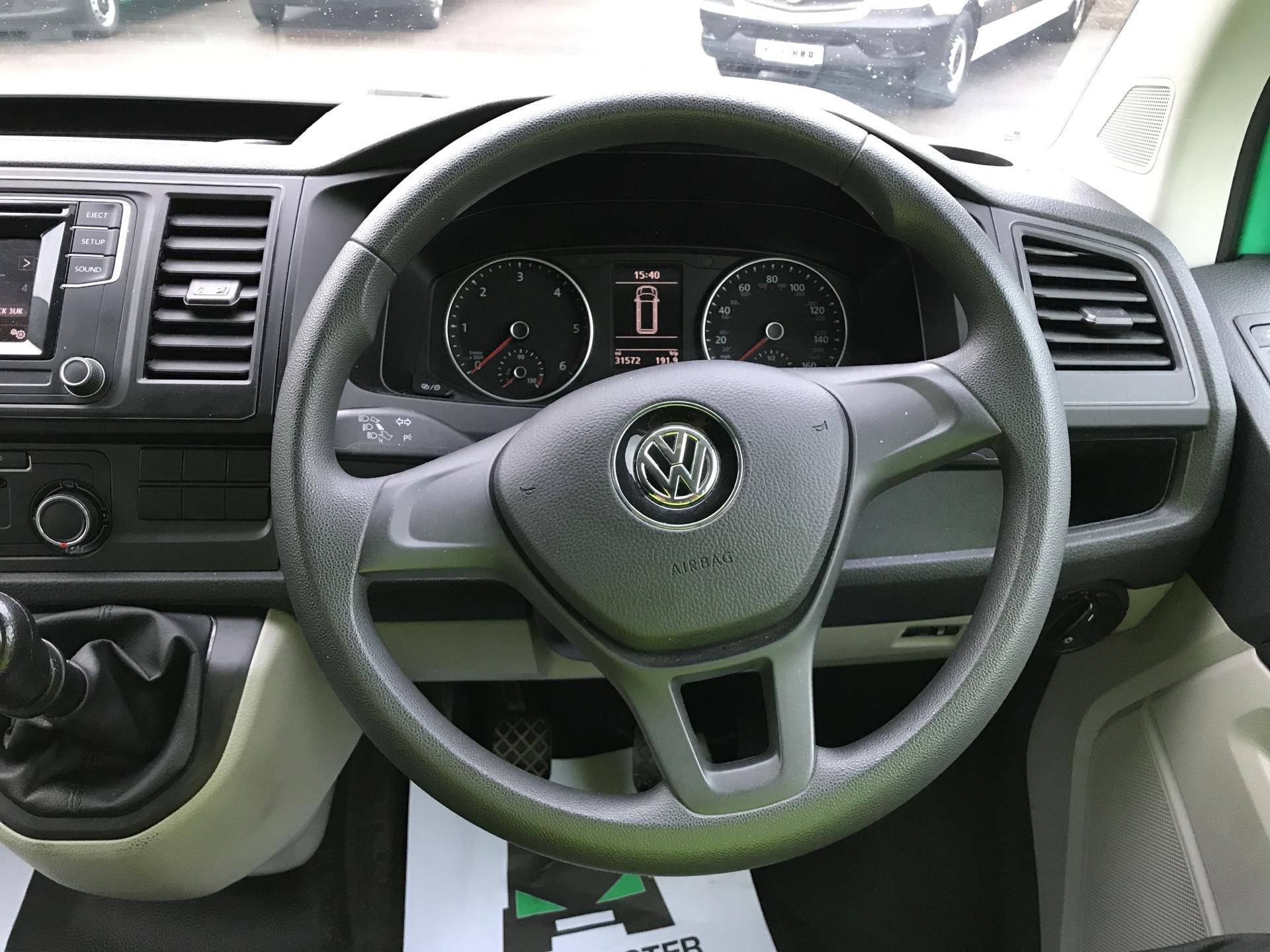 2017 Volkswagen Transporter  T28 SWB DIESEL 2.0 TDI BMT 84 STARTLINE VAN EURO 6 (SB67MYF) Image 12